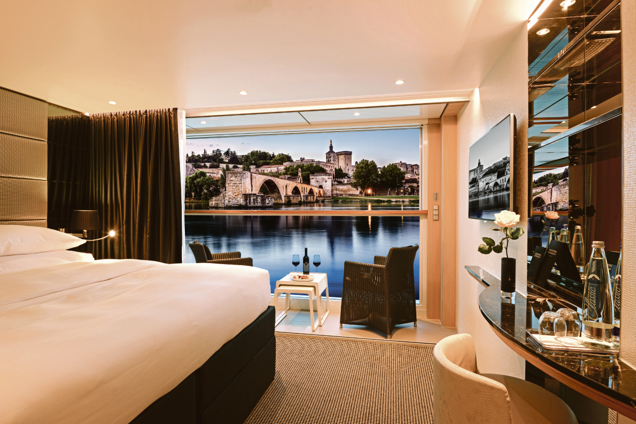 Private Deluxe Balcony Suite