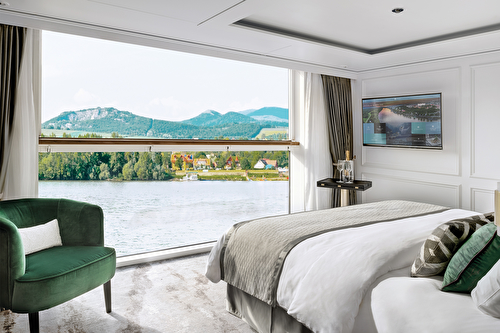 Deluxe Suite with Panoramic Balcony-Window