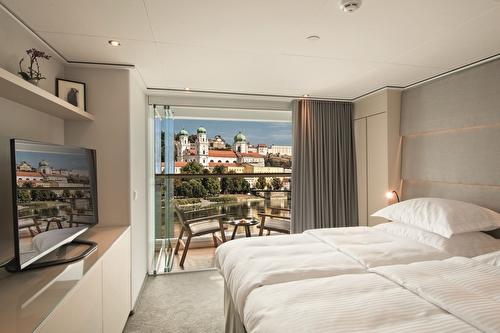 Emerald Grand Balcony Suite