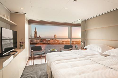Emerald Panorama Balcony Suite