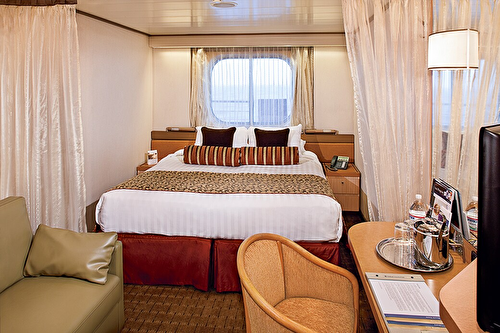 Large Ocean view Stateroom (Porthole View)