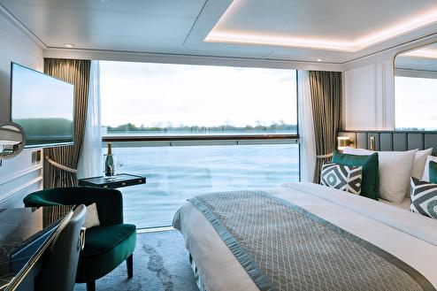 Petite Suite with Panoramic Balcony - Window (Guarantee)