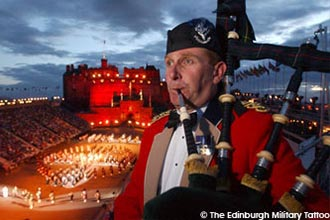 Coach trips to Edinburgh Military Tattoo 2020