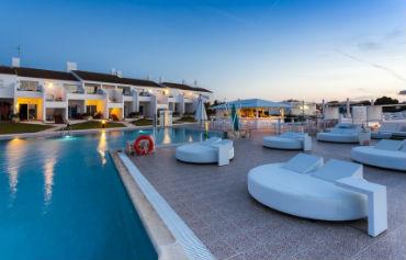 Casas del Lago Hotel & Beach Club