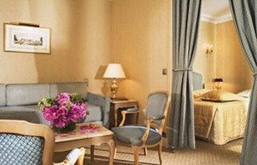 hotel rochester champs elysee paris hotels hays travel. Black Bedroom Furniture Sets. Home Design Ideas