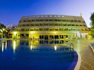 Las Piramides Resort