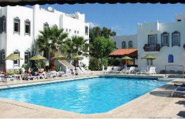 Siesta Beach Apartments & Studios