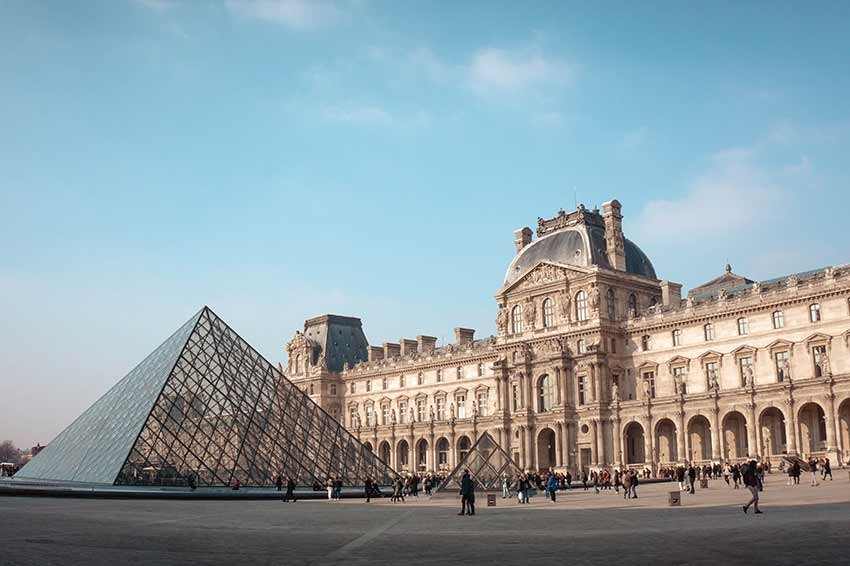 Paris Le Louvre