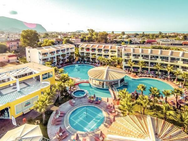 Caretta Beach Studios & Apartments