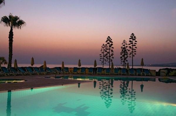 Cynthiana Beach Hotel Rooms
