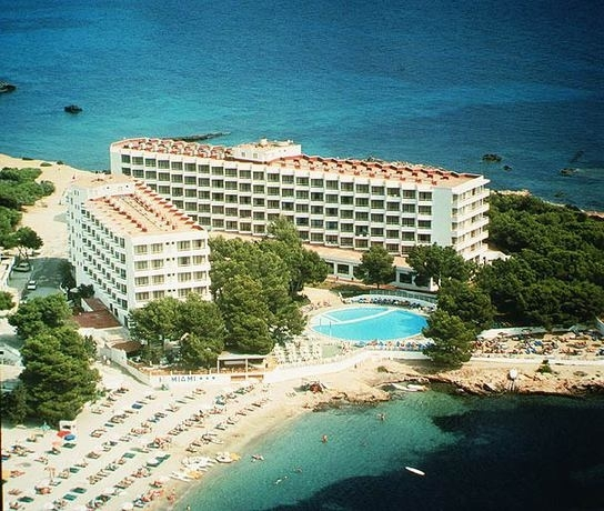 Cheap Holidays to Es Cana - Ibiza Cheap All Inclusive