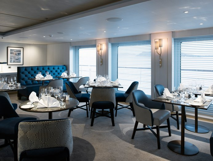 Restaurante a bordo de Crystal Yacht Cruises