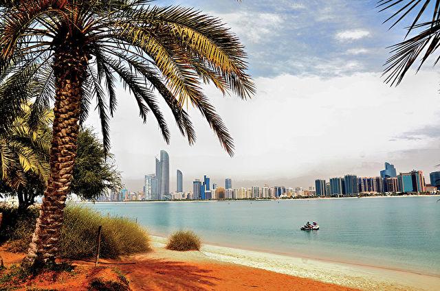 Emirates Capital Stay & Cruise
