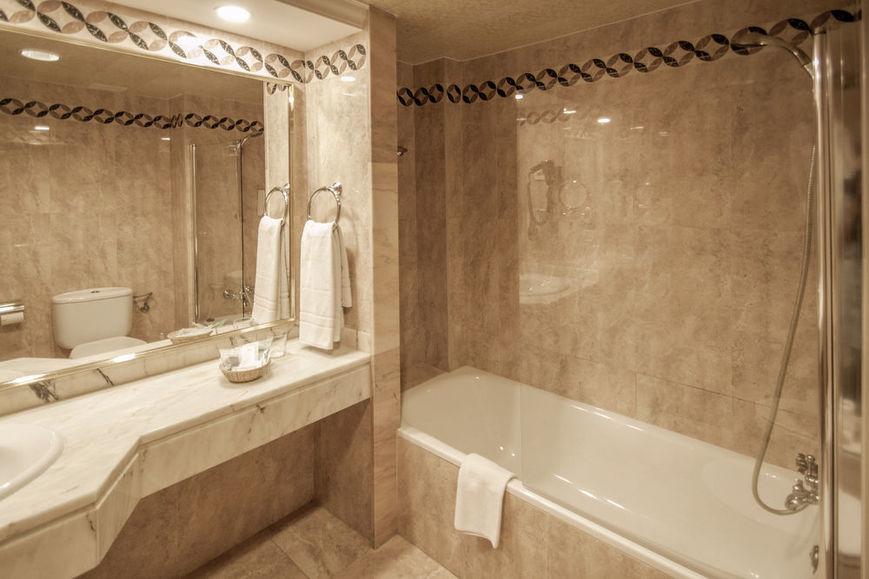 Cala Vinas Hotel