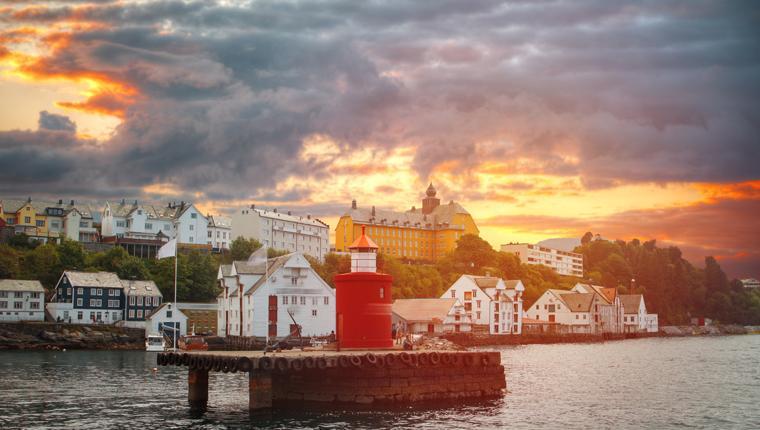 Cruceros por Alesund, Noruega