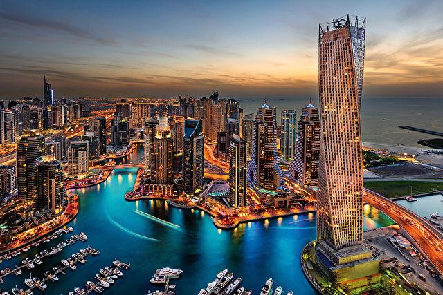 Luxurious Dubai Stay & Cruise