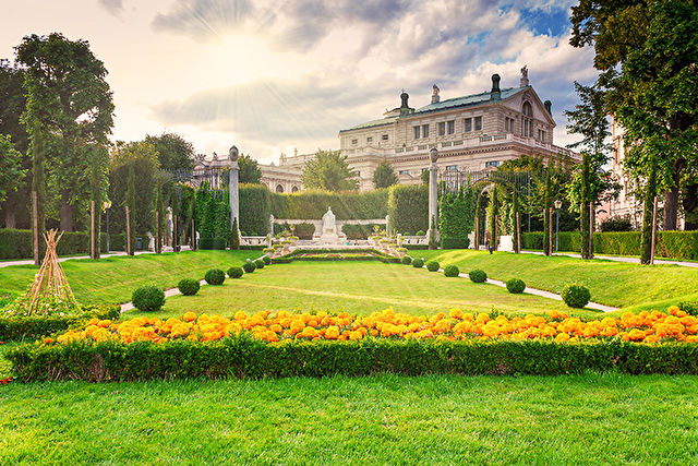 Vienna and the Blue Danube Stay & Cruise