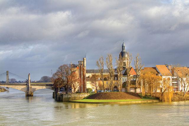 Burgundy, The River Rhône and Provence