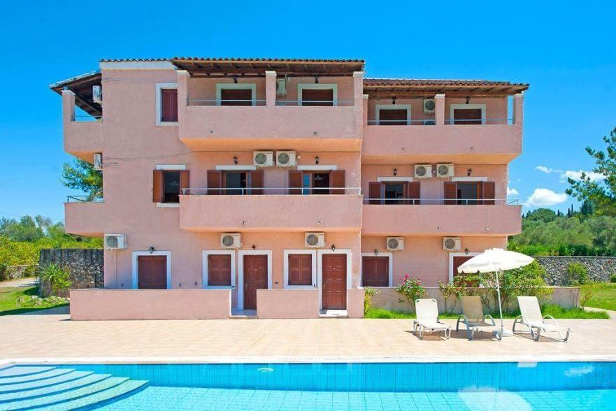 Alexis Pool Apartment