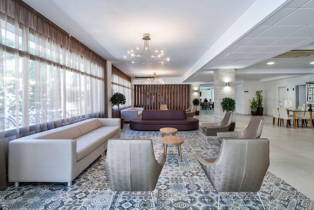 Hotel Oasis Park