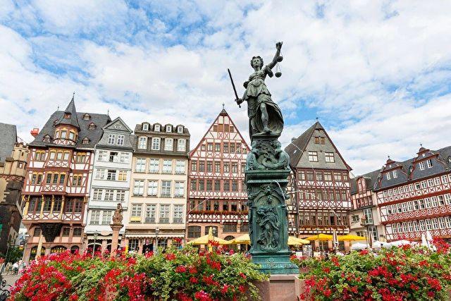 Rhine: Chateaux & Gateaux