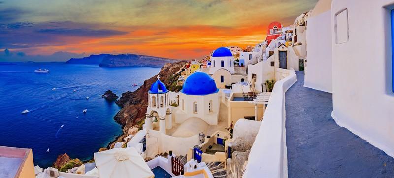 Blog   7 Restaurants To Try In Santorini
