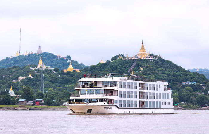 Barco Scenic Aura