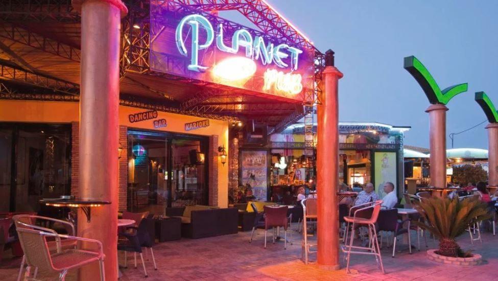 Planet Studios & Apartments