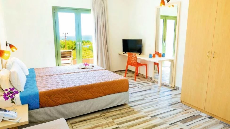 Finas Hotel & Apartments
