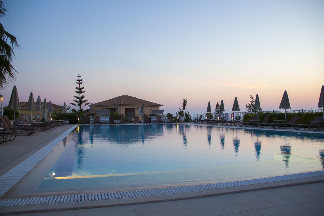Astra Village Hotel & Spa