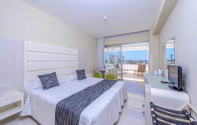 Tasia Maris Beach Hotel