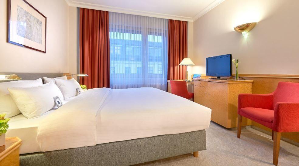 Hotel Bristol Berlin 02