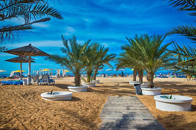 Ras Al Khaimah & Emirates Escapade Stay & Cruise
