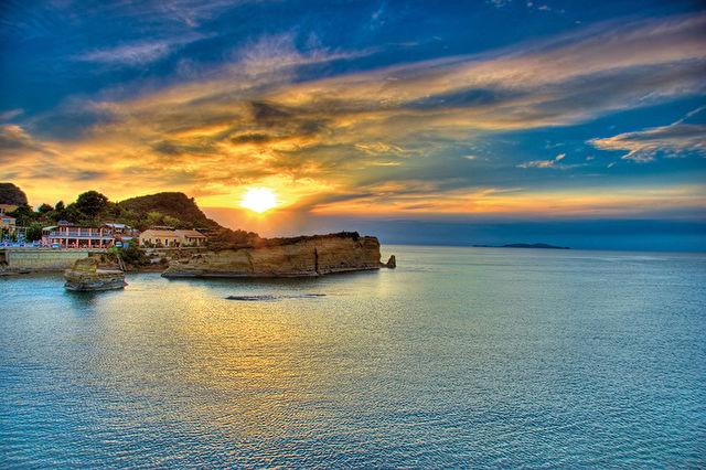 Corfu & Idyllic Italian Stay & Cruise