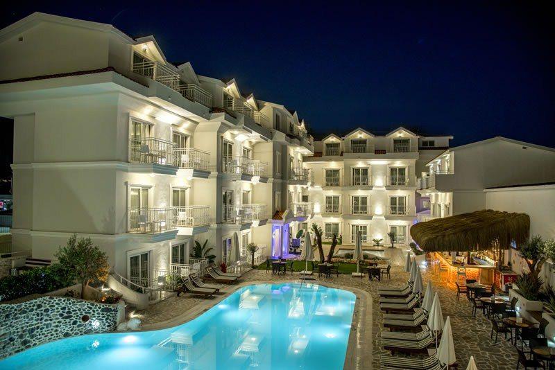 Montebello Deluxe Hotel