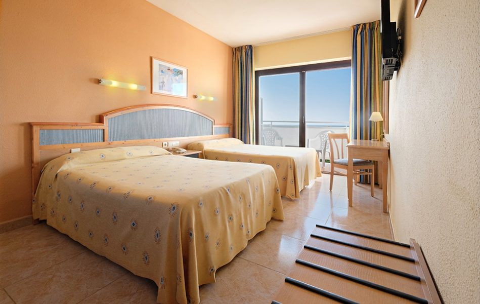 Azuline Hotel Bergantin
