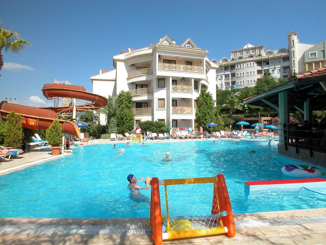 Club Cettia Apartments