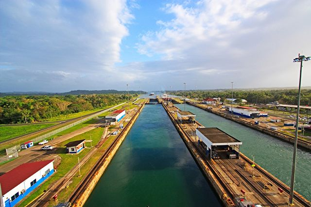 Panama Canal Eastbound Cruise