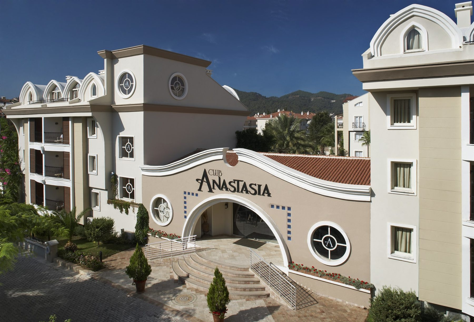 Club Anastasia Apartments