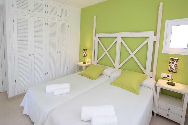Son Bou Playa Gold Apartments 04