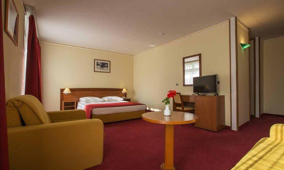 Hotel Niko Solaris 03
