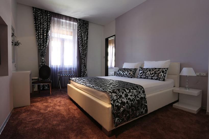 Starlight Luxury Rooms 03