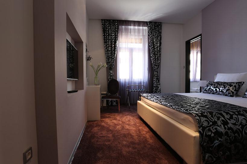 Starlight Luxury Rooms 04