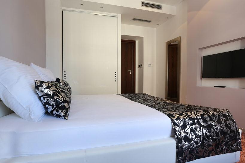 Starlight Luxury Rooms 05