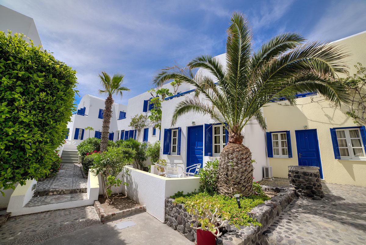 Scorpios Beach Hotel 02