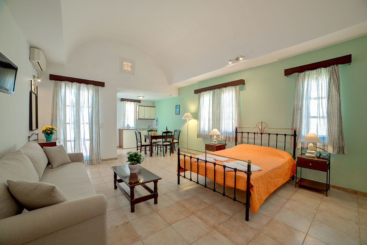 Scorpios Beach Hotel 03